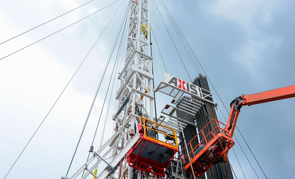 Axis Operates Some of the Tallest Rigs for Well Completion Services